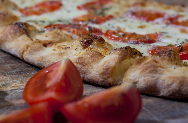 We Wrocławiu można zamówić pizzę z dostawą w nocy!
