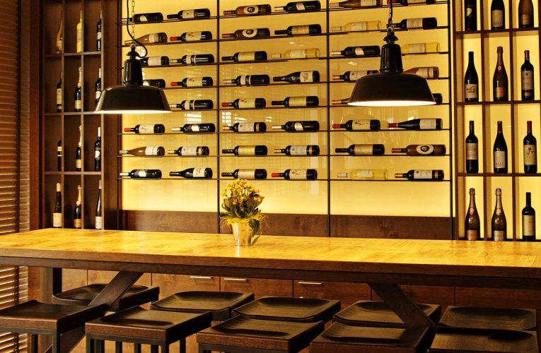 Urządzenie sklepu z winami